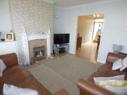 3 Bedrooms Semi Detached House for sale in Horsewell Lane, Wigston, Leicestershire