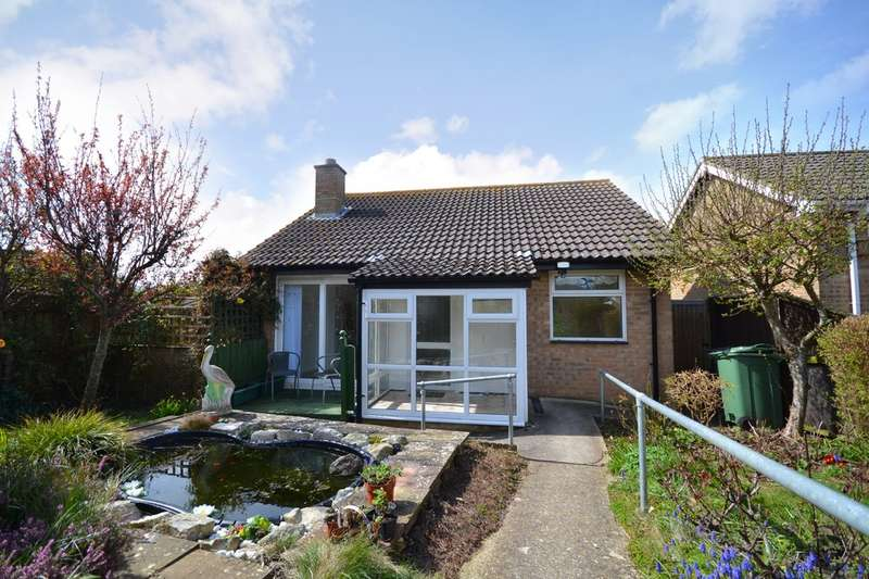 2 Bedrooms Detached Bungalow for sale in Lake, Sandown