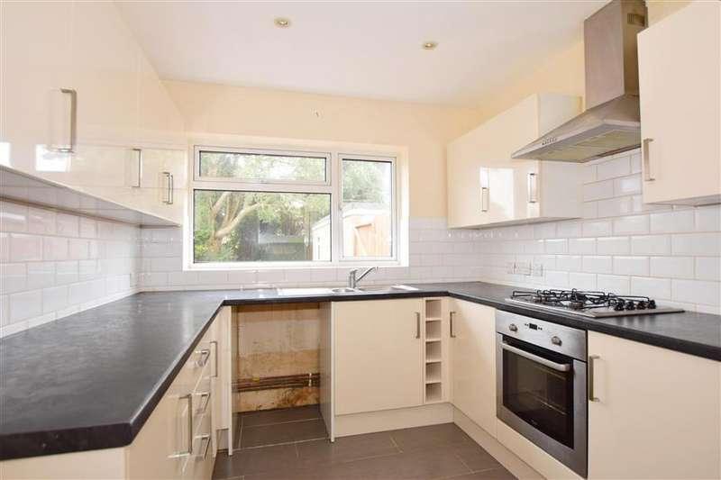 2 Bedrooms Semi Detached Bungalow for sale in Queens Road, Littlestone, Kent
