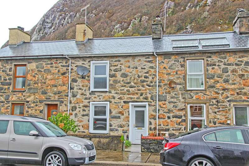 3 Bedrooms Terraced House for sale in Dublin Street, Tremadog, North Wales