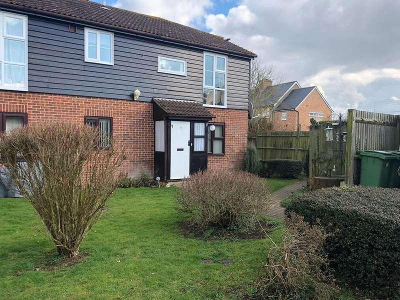 2 Bedrooms Ground Maisonette Flat for sale in Oak Tree Close, Marden