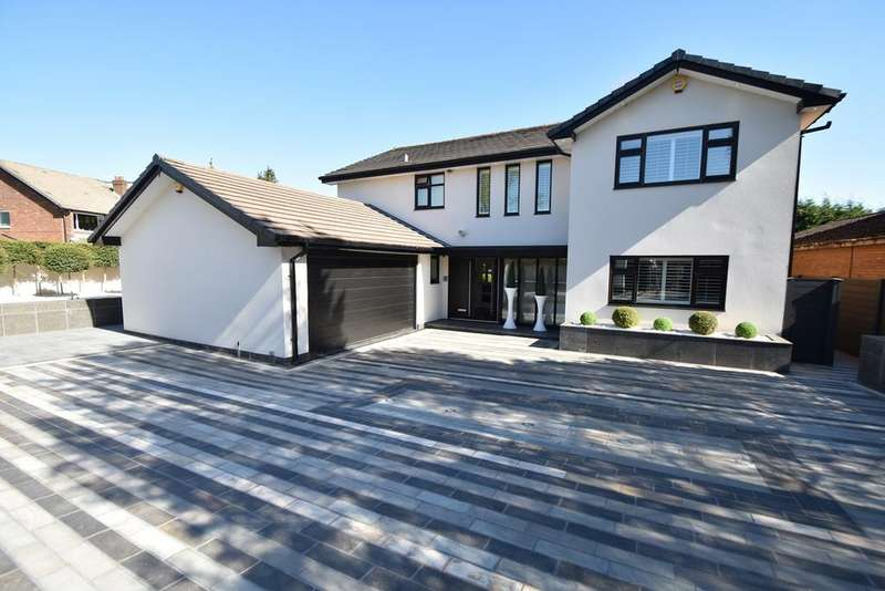 4 Bedrooms Detached House for sale in Fairhaven Avenue, Whitefield, Manchester, M45