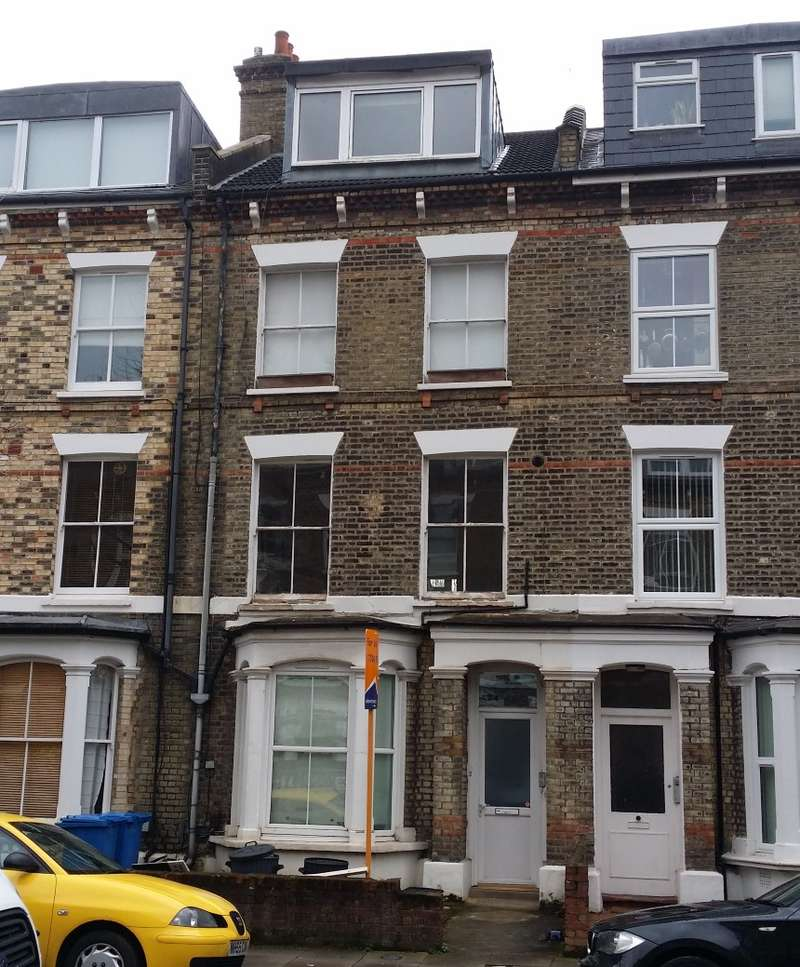 Studio Flat for sale in Moray Road, Finsbury Park, London, N4 3LG