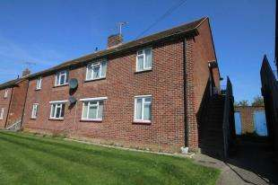 2 Bedrooms Flat for sale in Newlands Lane, Chichester, West Sussex