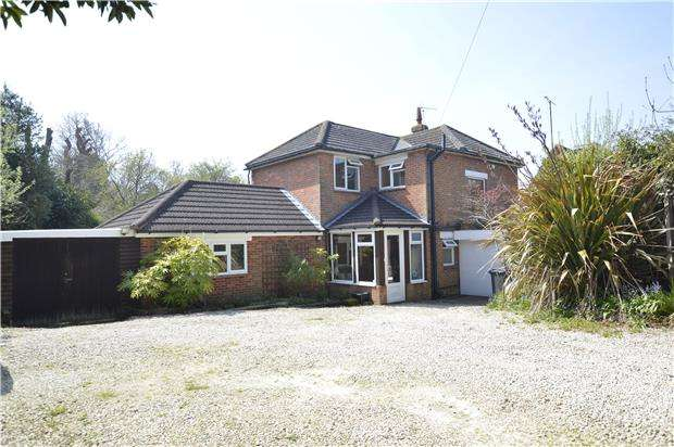 4 Bedrooms Detached House for sale in Hollington Park Road, ST LEONARDS-ON-SEA, East Sussex, TN38 0SE
