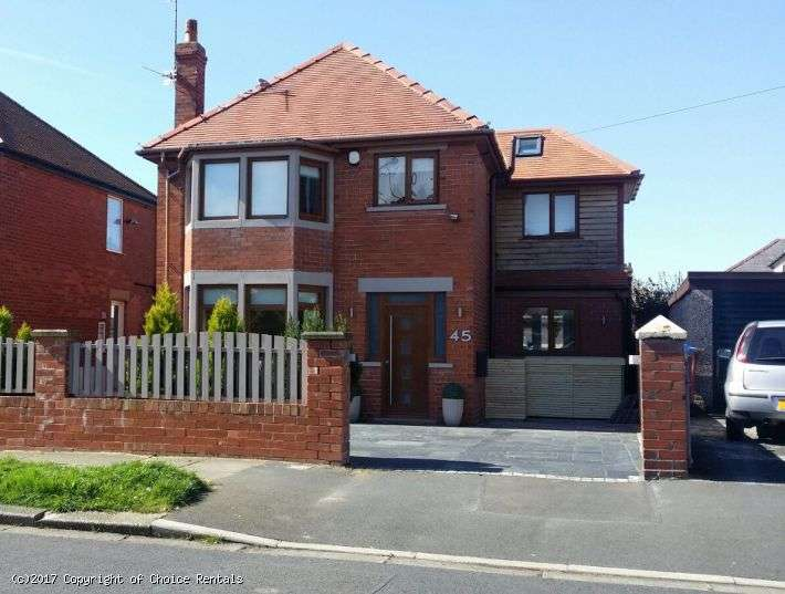 3 Bedrooms House for rent in North Drive, Thornton Cleveleys, FY5 3AQ