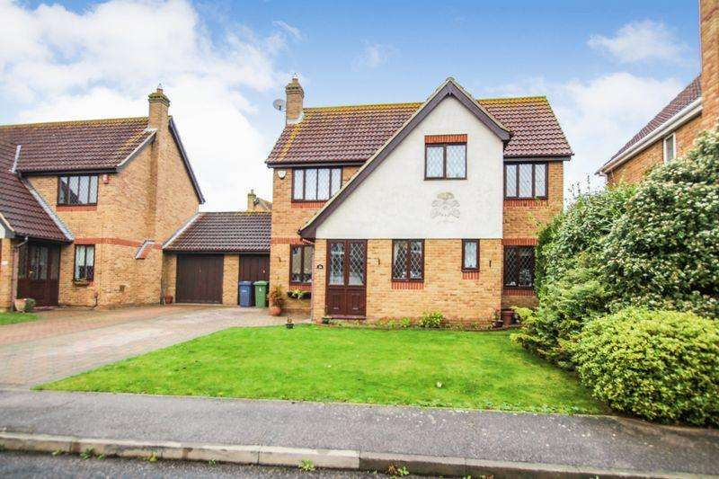 4 Bedrooms Detached House for sale in Rowan Grove, Aveley