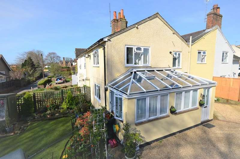 3 Bedrooms House for sale in Queens Road, Farnham
