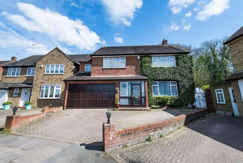 5 Bedrooms Detached House for sale in Bancroft Avenue, Buckhurst Hill
