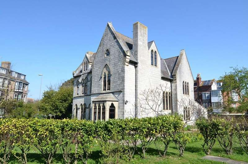 7 Bedrooms Detached House for sale in Dorchester Road, Weymouth