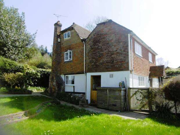 3 Bedrooms Detached House for sale in North Road, Goudhurst, Kent, TN17 1HY