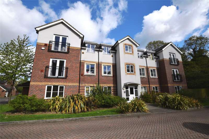 2 Bedrooms Apartment Flat for sale in Kingswood Close, Camberley, Surrey, GU15