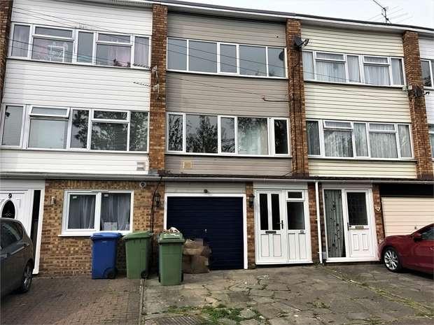 3 Bedrooms Terraced House for sale in Wykeham Road, SITTINGBOURNE, Kent