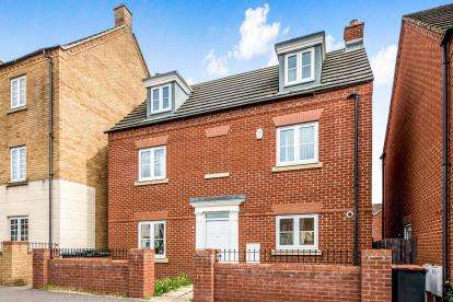 4 Bedrooms Detached House for sale in Ashmead Road, Bedford, Bedfordshire