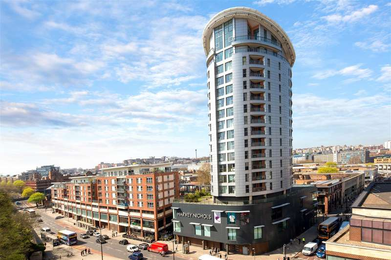 2 Bedrooms Flat for sale in Broad Weir, City Centre