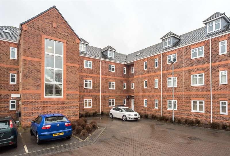 2 Bedrooms Flat for sale in Brackenhurst Place, Moortown, Leeds, West Yorkshire, LS17