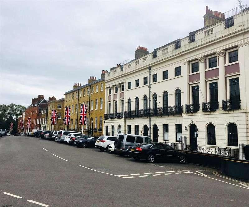 5 Bedrooms Terraced House for sale in Park Street, Windsor, Berkshire, SL4