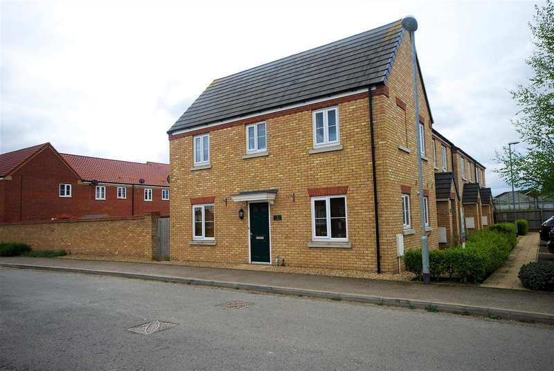 3 Bedrooms Semi Detached House for sale in Shannon Close, Spalding