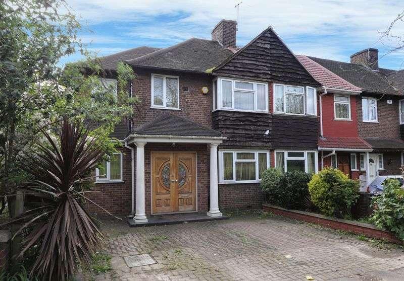 4 Bedrooms Property for sale in Mandeville Road, Northolt