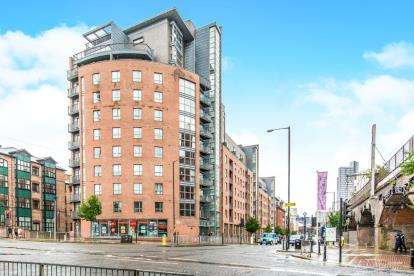 2 Bedrooms Flat for sale in Whitworth Street West, Manchester, Greater Manchester