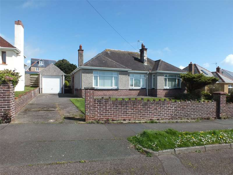 3 Bedrooms Detached Bungalow for sale in Hayston Avenue, Hakin, Milford Haven