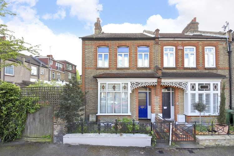 3 Bedrooms End Of Terrace House for sale in Eversley Road Charlton SE7