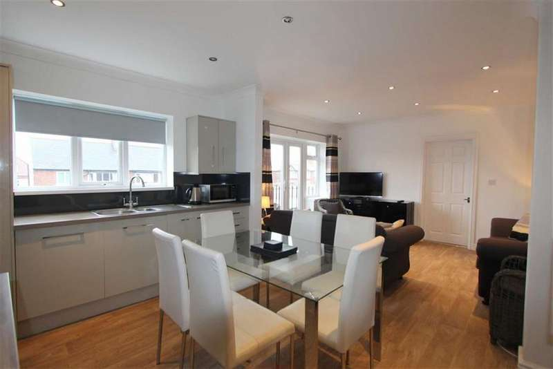 2 Bedrooms Apartment Flat for sale in Clifton Drive South, Lytham St Annes, Lancashire