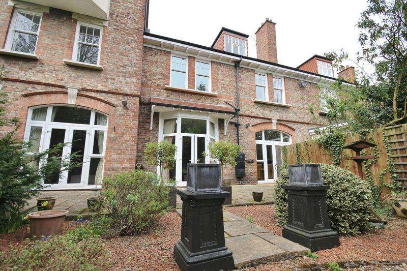 2 Bedrooms Apartment Flat for rent in The Grove, Newcastle Upon Tyne