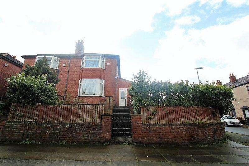 3 Bedrooms Semi Detached House for sale in Crown Street, Rochdale OL16 5LQ