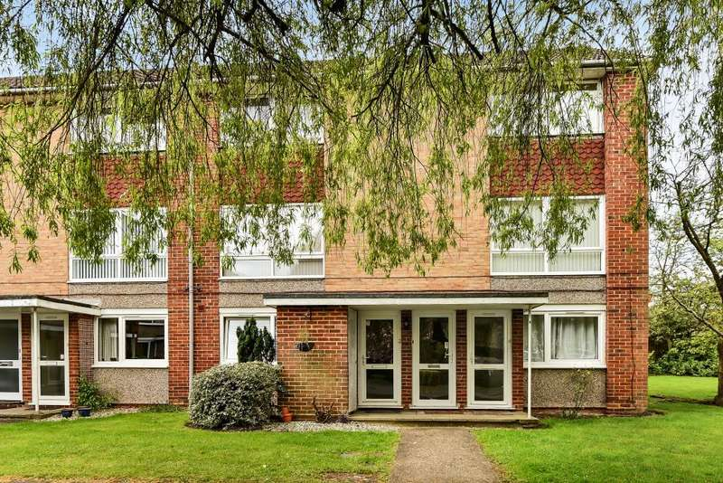 2 Bedrooms Maisonette Flat for sale in Fernley Court, Maidenhead, SL6