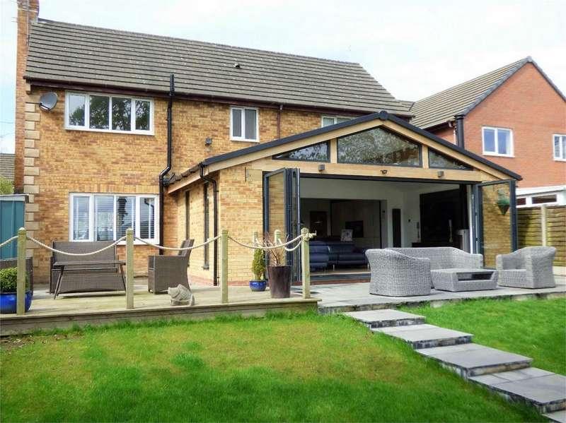 5 Bedrooms Detached House for sale in Pendle View, Old Langho, BLACKBURN, Lancashire