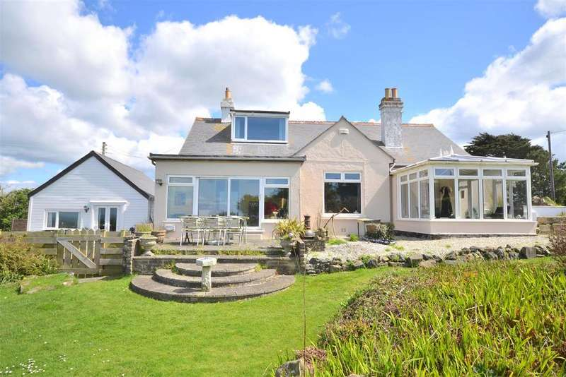 5 Bedrooms Detached House for sale in Meaver Road, Mullion, Helston