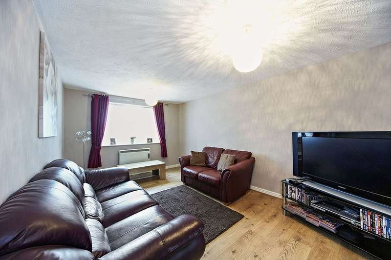2 Bedrooms Flat for sale in Cumberland Place, London, SE6