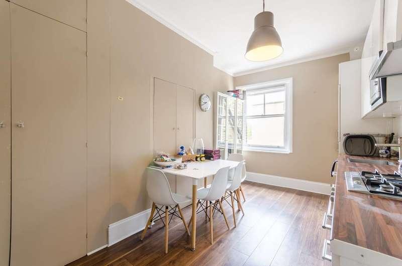 3 Bedrooms Maisonette Flat for sale in Highbury Corner, Highbury and Islington, N5