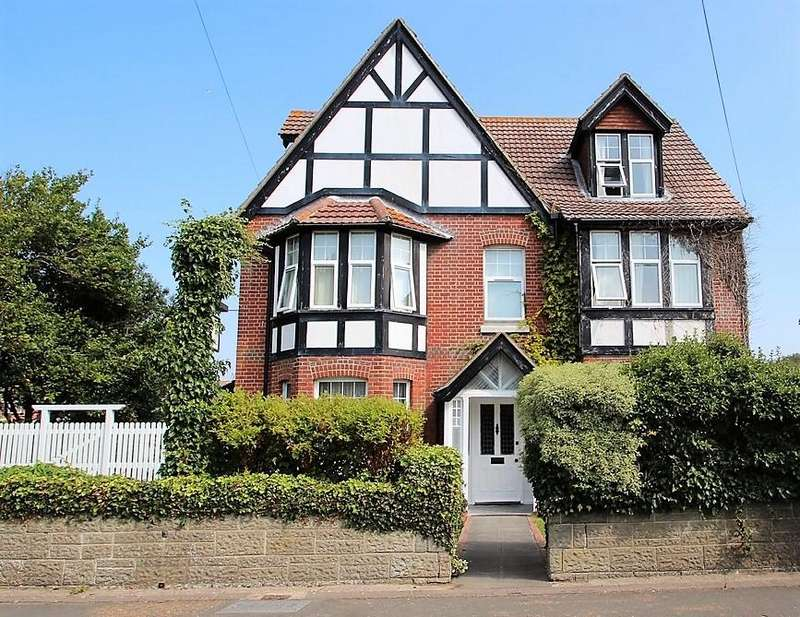 8 Bedrooms Detached Villa House for sale in Granville Road, , Totland Bay, PO39