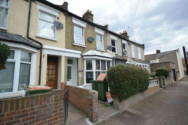 3 Bedrooms Terraced House for sale in Wolsey Avenue, East Ham, E6