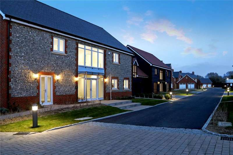 5 Bedrooms Detached House for sale in Lendon Grove, Gubblecote, Tring, HP23
