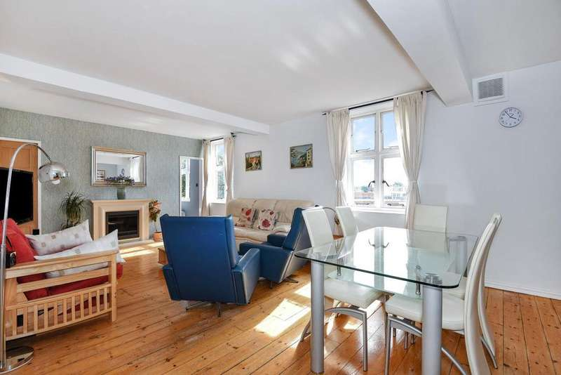 2 Bedrooms Flat for sale in Cormont Road, Camberwell