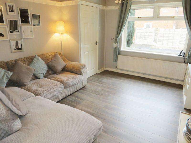 3 Bedrooms Semi Detached House for sale in Shirebrook Drive, Radcliffe M26 2TJ