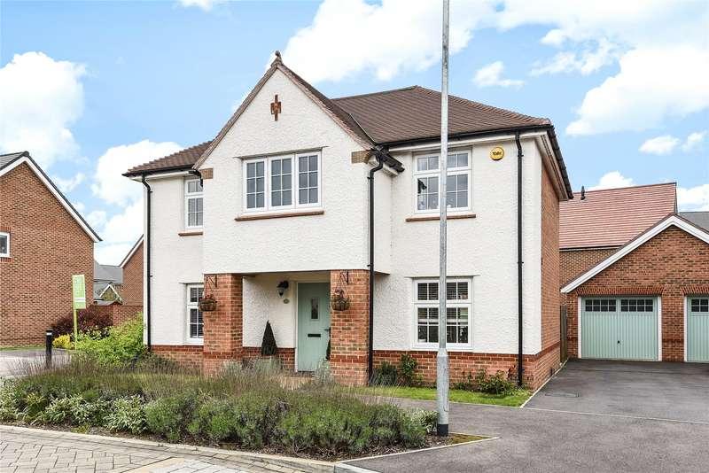 4 Bedrooms Detached House for sale in Goldcrest Road, Jennett's Park, Bracknell, Berkshire, RG12