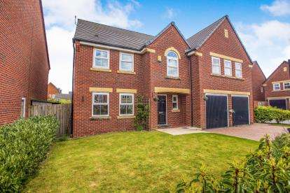 5 Bedrooms Detached House for sale in Waltham Road, Buckshaw Village, Chorley, Lancashire, PR7