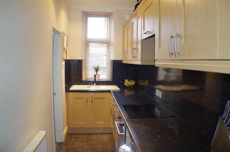 2 Bedrooms Terraced House for rent in Union Street, Greetland, Halifax