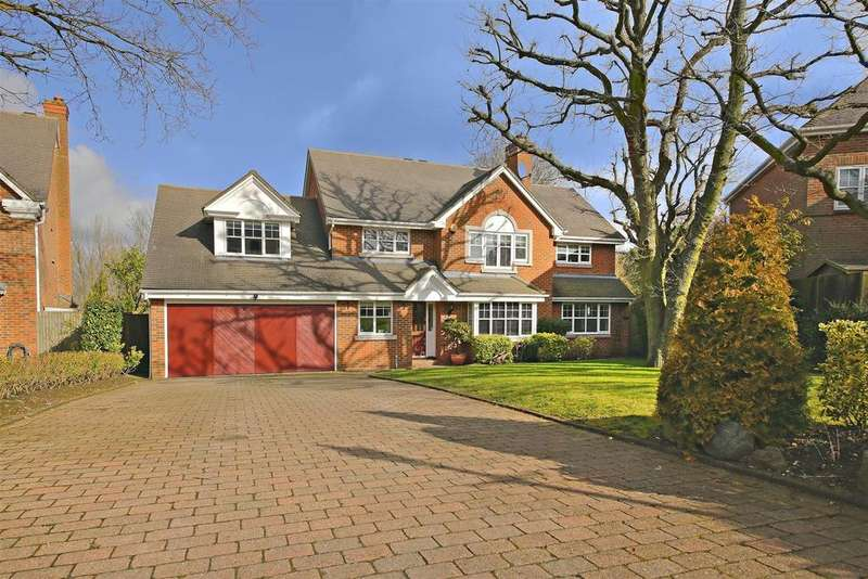 4 Bedrooms Detached House for sale in Blattner Close, Elstree