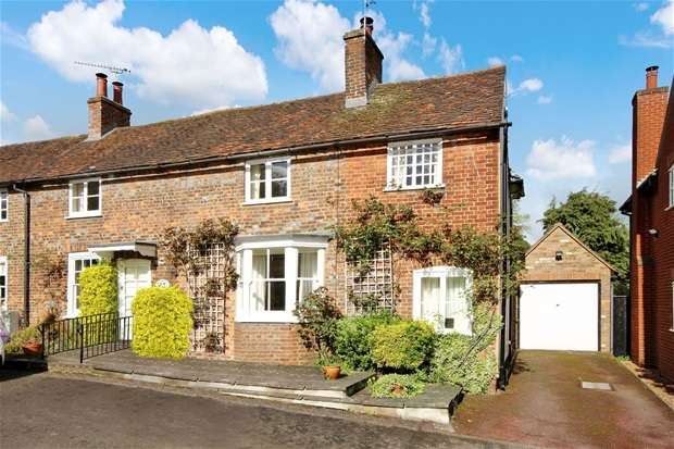 3 Bedrooms House for sale in West Common, Harpenden