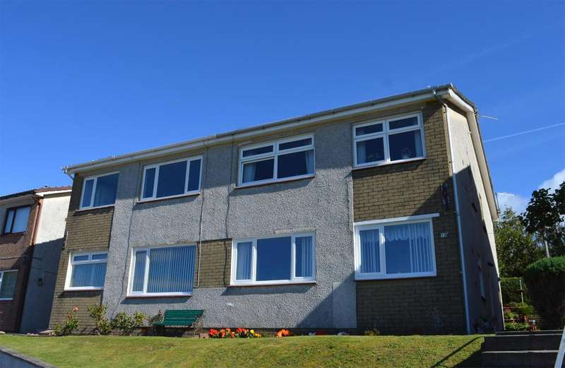 2 Bedrooms Flat for sale in 19D Seafield Court, Ardrossan, KA22 8NS