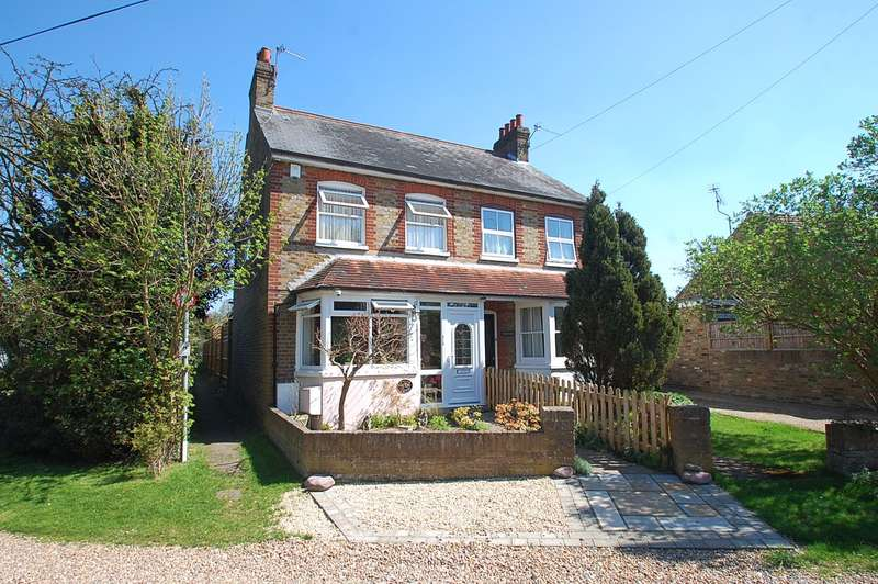 3 Bedrooms Semi Detached House for sale in Williams Cottages, The Phygtle, Chalfont St Peter, SL9