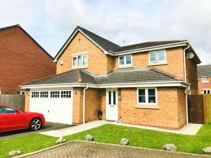 4 Bedrooms Detached House for sale in Sandy Way, Winsford, Cheshire