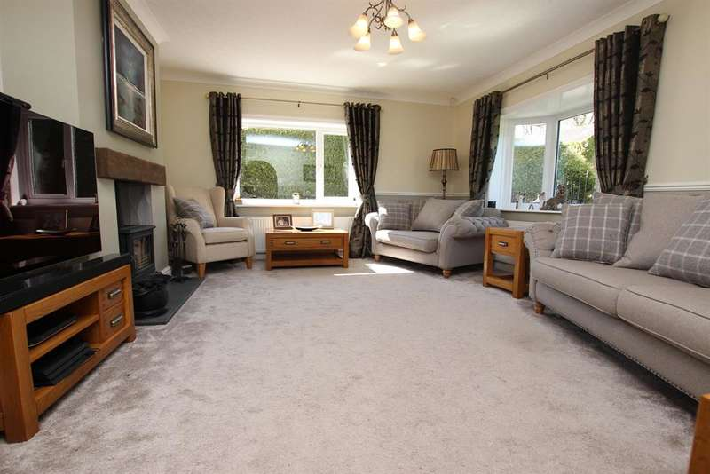 3 Bedrooms Detached House for sale in Earnsdale Farm Cottage Darwen BB3 0LB