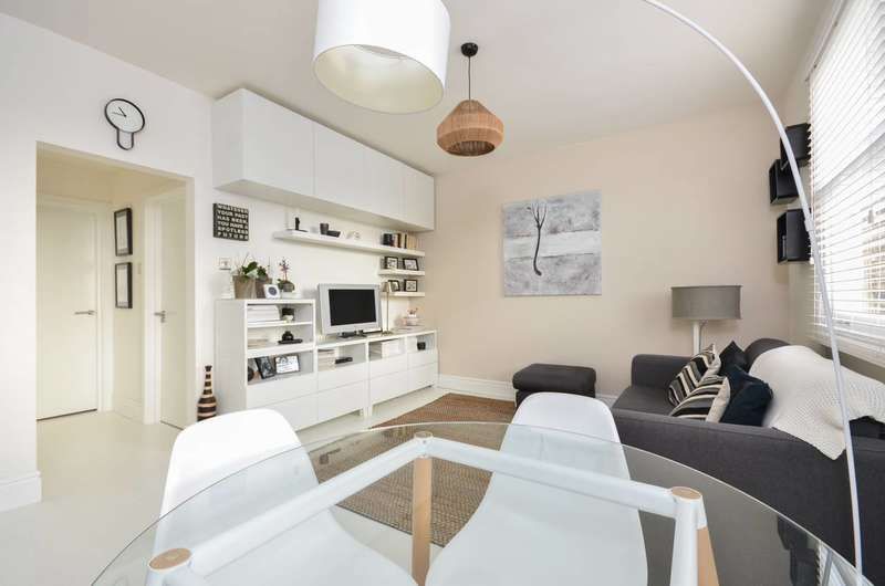 1 Bedroom Flat for sale in Mansfield Road, Hampstead, NW3