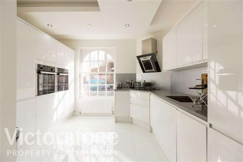 2 Bedrooms Duplex Flat for sale in Commercial Road, Limehouse, London